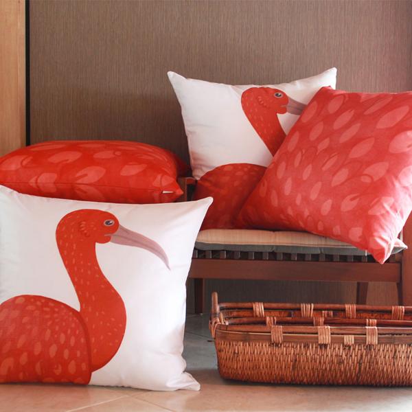 almofadas-decorativas-passaro-guara
