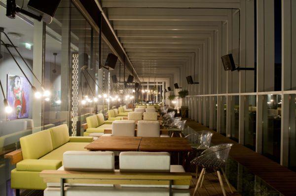 Design de Interiores Iris Bar, um conceito jovem e luxuoso para a agitada vida noturna de Dubai 3.1