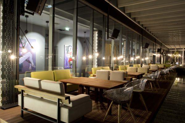 Design de Interiores Iris Bar, um conceito jovem e luxuoso para a agitada vida noturna de Dubai 3.2