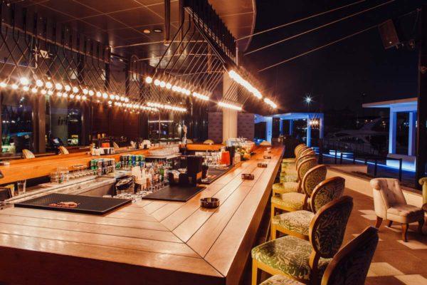 Design de Interiores Iris Bar, um conceito jovem e luxuoso para a agitada vida noturna de Dubai 4