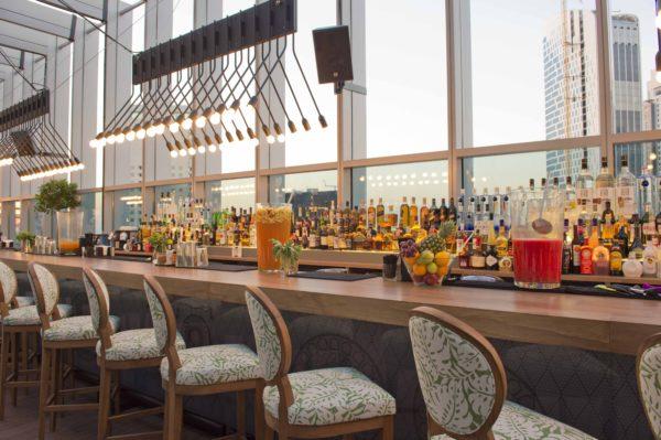 Design de Interiores Iris Bar, um conceito jovem e luxuoso para a agitada vida noturna de Dubai 7