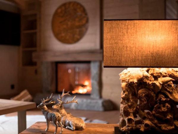 Conheça o décor aconchegante do Hotel de Rougemont no coração dos Alpes Suíços 11