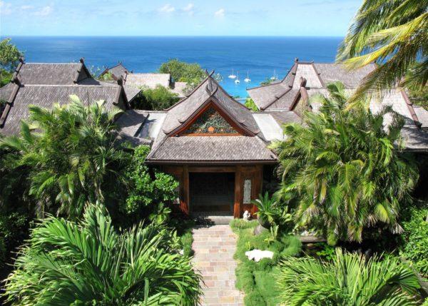 inspiração de décor exotico mansão de david bowie animal print no décor foto mandalay estate 2