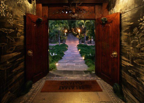 inspiração de décor exotico mansão de david bowie animal print no décor foto mandalay estate 4