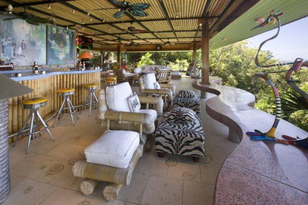inspiração de décor exotico mansão de david bowie animal print no décor foto mandalay estate 6