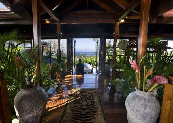 inspiração de décor exotico mansão de david bowie animal print no décor foto mandalay estate 9