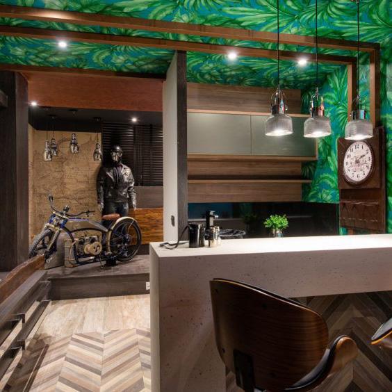 Almofadas de Pele no quarto masculino - Casa Cor Paraná 2016 Studio do Rapaz, por Romy Schneider 2