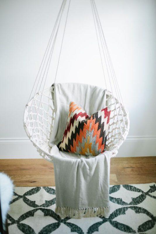 cadeiras de balanço para o quarto inspiracao de decor para o inverno lolahome 5