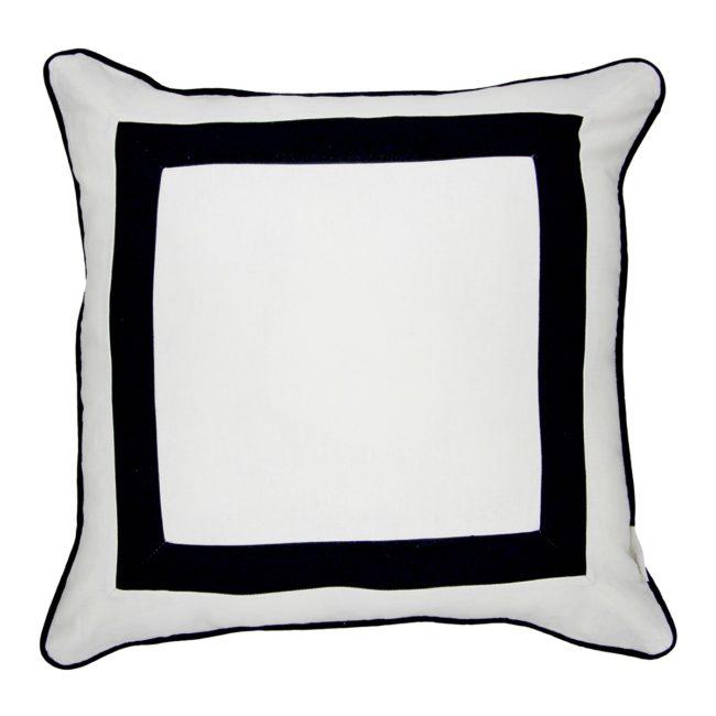 Preto e branco na cama